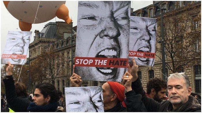 Kedatangan Donald Trump dalam Peringatan 100 Tahun Berakhirnya Perang Dunia I Disambut Protes