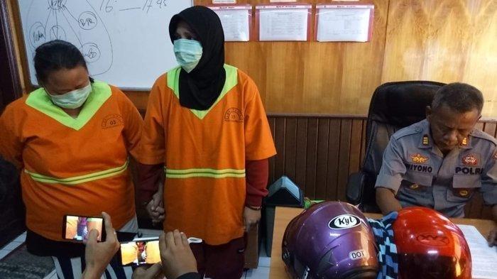 Kedua pelaku Nia (31), anak kandung korban dan Arma (32), keponakan korban saat diamankan kepolisian lantaran menganiaya orangtua sendiri hingga berujung meninggal dunia, Selasa (3/6/2019).