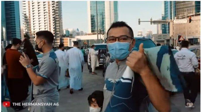 Lebaran di Dubai, Keluarga Anang Hermansyah dan Ashanty Salat Idul Fitri di Parkiran Masjid