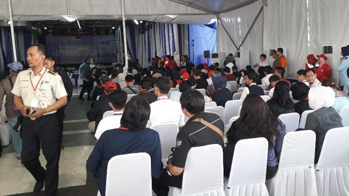 Keluarga Korban Lion Air JT 610 Ikuti Doa Bersama dan Tabur Bunga di Lokasi Jatuhnya Pesawat