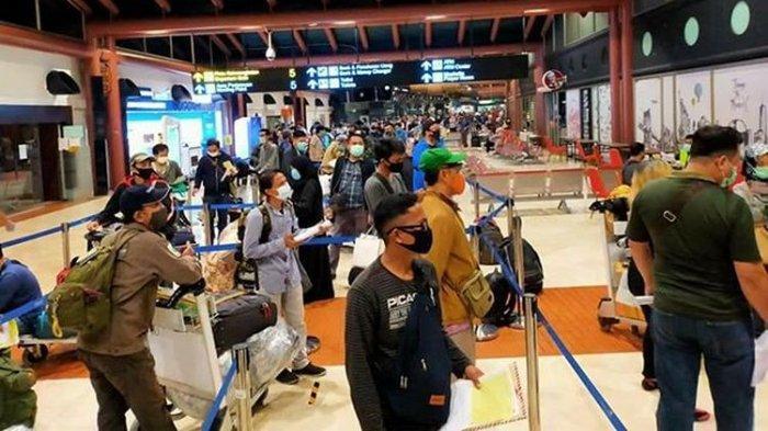 Menko PMK Muhadjir Effendy Minta Maaf atas Antrean Penumpang yang Sempat Terjadi di Bandara Soetta