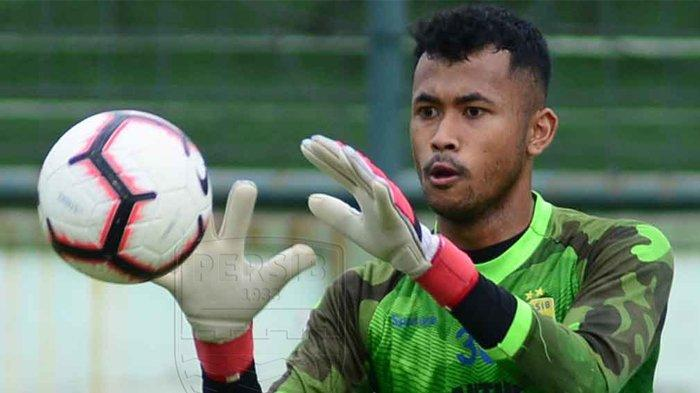 Kiper muda Persib Bandung, Aqil Savik.