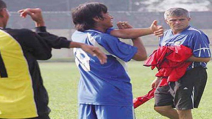 Nasib Miris Eks Pelatih Persib Bandung dan Persija Jakarta, Sakit Stroke hingga Harus Dideportasi