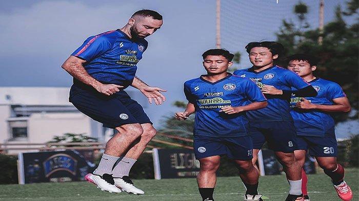 Wonderkid Arema FC Cedera Parah Jelang Seri ke-2 Liga 1 2021, Dipastikan Absen selama 9 Bulan