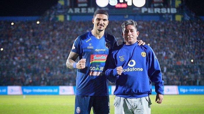 Arthur Cunha dan ayahnya.