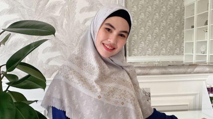 Kartika Putri Panen Hujatan setelah Minta Luna Maya Segera Menikah: Aku Pikir Dijawab dengan Candaan