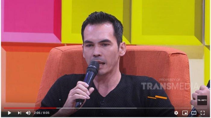 Artis peran Atalarik Syah di acara Pagi Pagi Pasti Happy, Trans Tv.