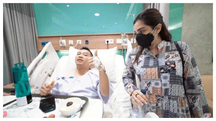 Tangkapan layar potret Ashanty menemani Anang Hermansyah yang terbaring sakit, Rabu (23/6/2021).