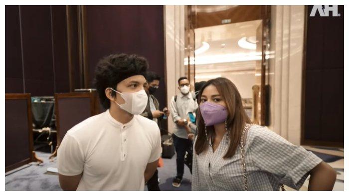 Atta Halilintar dan Aurel Hermansyah di hotel tempat keduanya akan melaksanakan akad nikah, Kamis (25/3/2021).