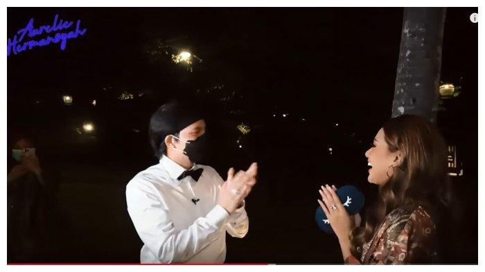 Tepis Isu Putus, Atta Halilintar Rayakan Momen Tahun Baru 2021 bersama Aurel Hermansyah di Bali