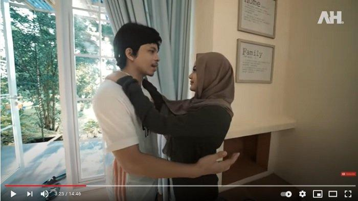 Ngotot Minta Ditemani Aurel saat Kerja, Atta Halilintar Ajak Podcast Bareng Fiki Naki dan Halyna