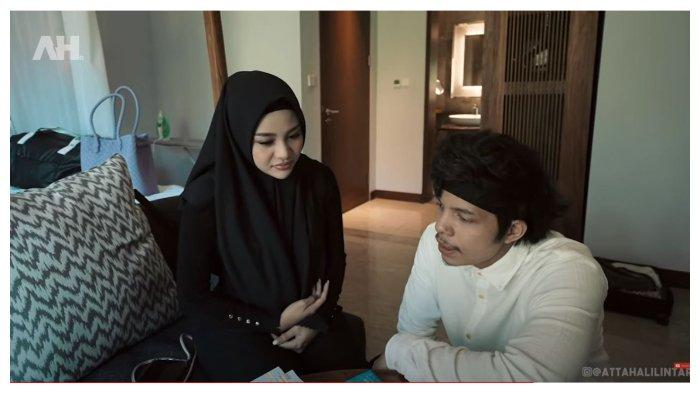 Aurel Hermansyah Sembunyikan Handphone, Atta Halilintar Langsung Curiga: Jangan yang Lagi Ciuman