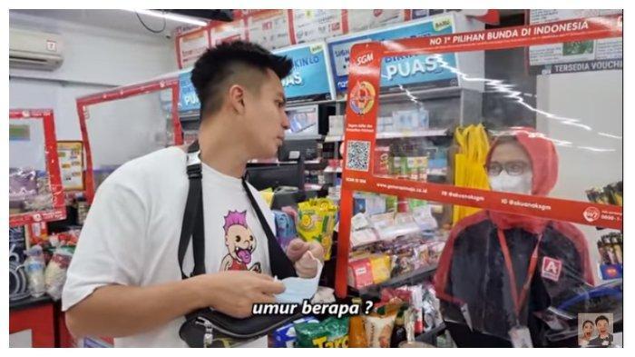 Baim Wong gratiskan semua pembeli di sebuah minimarket, Selasa (4/4/2021).