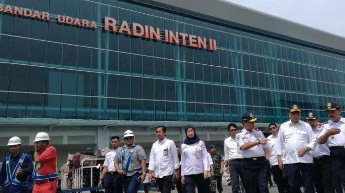 Harga Tiket Pesawat Naik Omzet Tiket Pesawat Bandara Radin Inten Ii Lampung Selatan Anjlok Tribun Wow