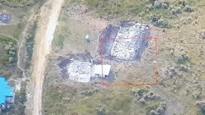 Detik-detik KKB Bakar Gedung Sekolah dan Puskesmas di Ilaga, Awalnya Saksi Lihat Asap Tebal