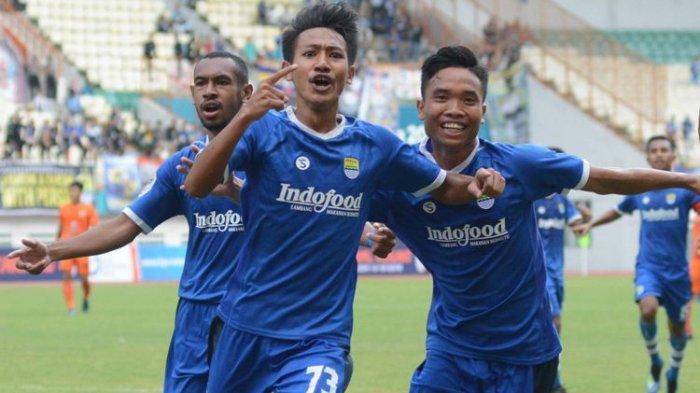 2 Pemain Muda yang Dibawa Persib Bandung saat Kontra Arema FC Buat Pemain Lain Semakin Termotivasi