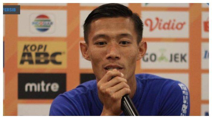 Komentar Lucu Bobotoh untuk Bek Kanan Persib Bandung Henhen Herdiana, Singgung Pemain asal Inggris