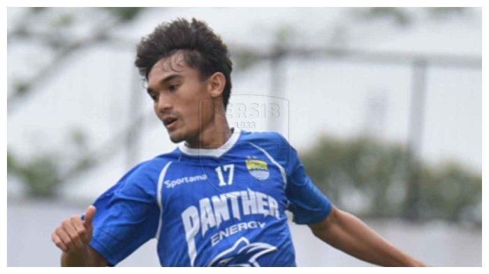 Zalnando Bekerja Keras untuk Mendapatkan Kepercayaan Pelatih Persib Bandung agar Menjadi Starter