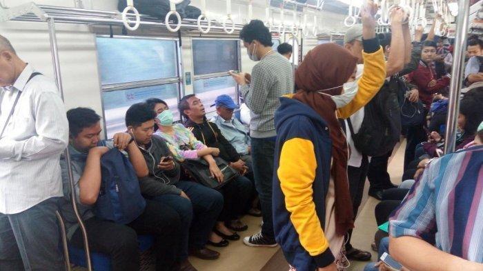 Viral Video Penumpang KRL Kejang di Gerbong Diduga Terjangkit Virus Corona, PT KCI Angkat Bicara