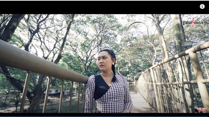 Lirik Lagu dan Chord Gitar Banyu Moto - Happy Asmara, Tumetese Banyu Moto Iki