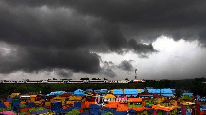 Peringatan Dini BMKG Besok Selasa 25 Mei 2021: 13 Daerah Dilanda Hujan Lebat, Mana Saja?