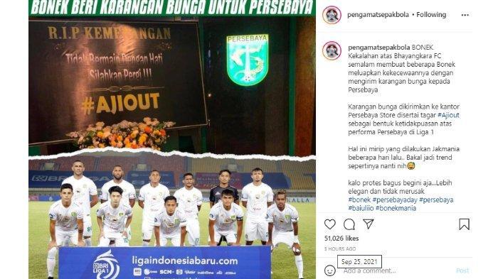 Penampakan karangan bunga dari Bonek untuk Persebaya Surabaya dan Aji Santoso yang diunggah oleh akun @pengamatsepakbola pada Sabtu (25/9/2021).