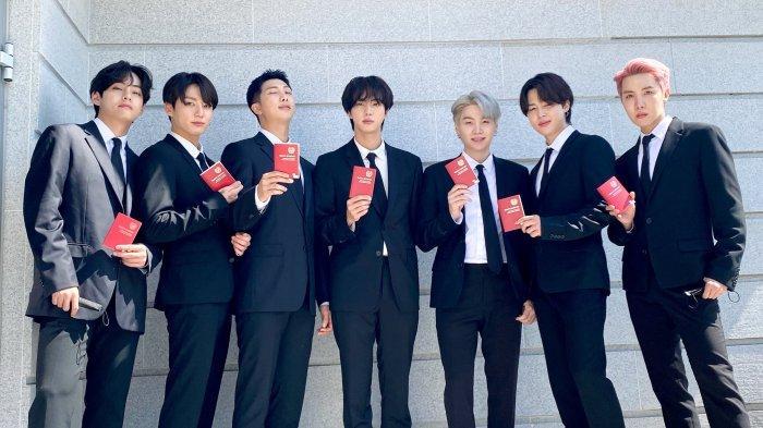 Ditunjuk Presiden Moon Jae In Jadi Utusan Khusus, BTS Dapat Paspor Diplomatik, Ini Keuntungannya