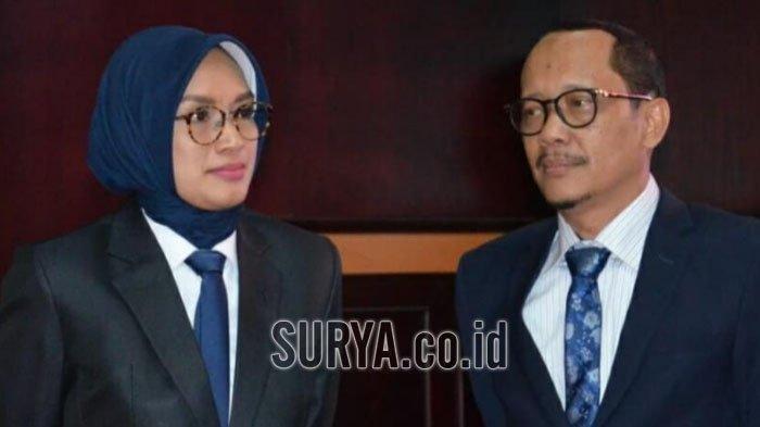 Bupati Probolinggo Puput Tantriana Sari (kiri) dan suaminya, Hasan Aminuddinyang yang dikabarkan terjaring OTT KPK, Senin (30/8/2021).
