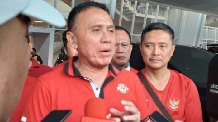 Calon Ketua Umum PSSI, M Iriawan alias Iwan Bule, hadir dalam laga final leg pertama Piala Indonesia 2018 yang mempertemukan Persija Jakarta vs PSM Makassar di Stadion Utama Gelora Bung Karno (21/7/2019).(