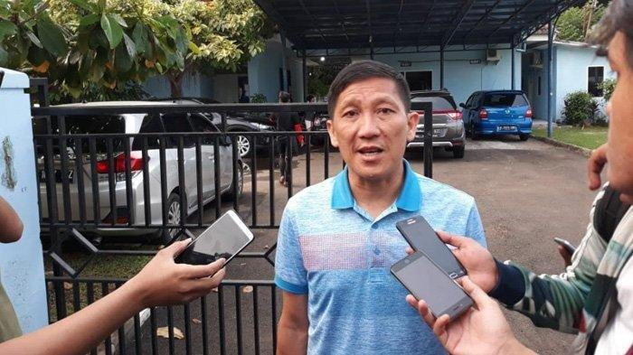 Chief Executive Officer Persija Jakarta, Ferry Paulus saat ditemui awak media di Lapangan PS AU TNI Halim Perdanakusuma, Jakarta Timur, Jumat (15/2/2019). (TribunJakarta/Wahyu Septiana)