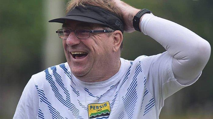 Pelatih Persib Bandung, Robert Rene Albert.