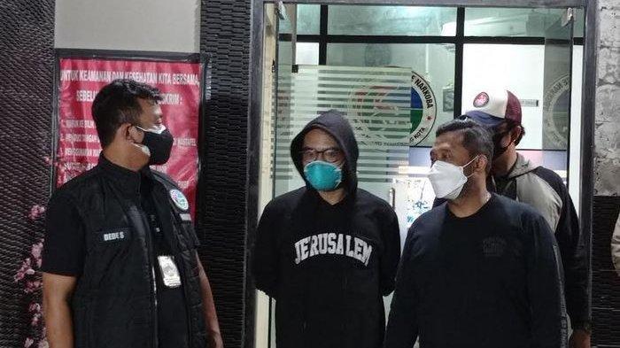 Coki Pardede sata diamankan di Polres Tangerang