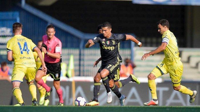 Cristiano Ronaldo saat debut bersama Juventus di Liga Italia.