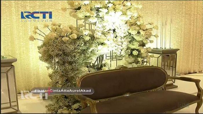 Dekorasi pelaminan di akad nikah Atta Halilintar dan Aurel Hermansyah, Sabtu (3/4/2021).