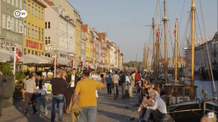 Vaksinasi Capai 80 Persen, Denmark Cabut Semua Pembatasan Virus Covid-19