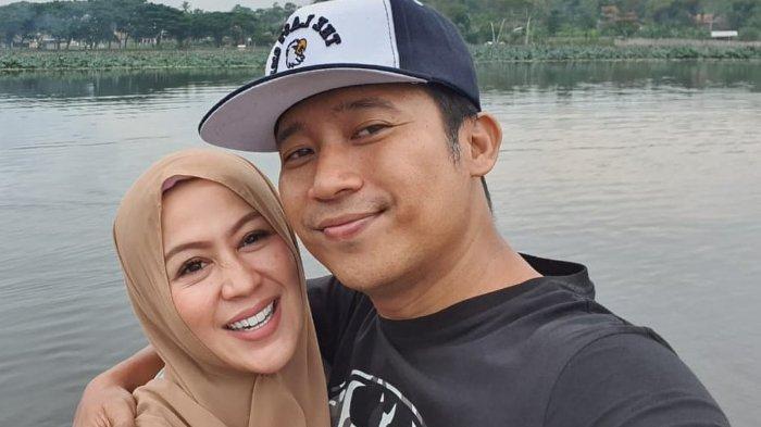 Denny Cagur dan istrinya, Shanty, diunggah 25 Februari 2020.
