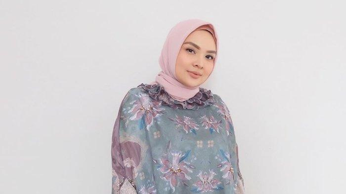 Tren Fashion Hijab Tahun 2019 dari Desainer Ria Miranda