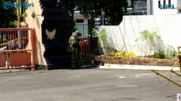 Detik-detik Jihandak Ledakkan Tas Hitam Mencurigakan di DPRD Kediri, Terlihat Isinya Gulungan Kabel
