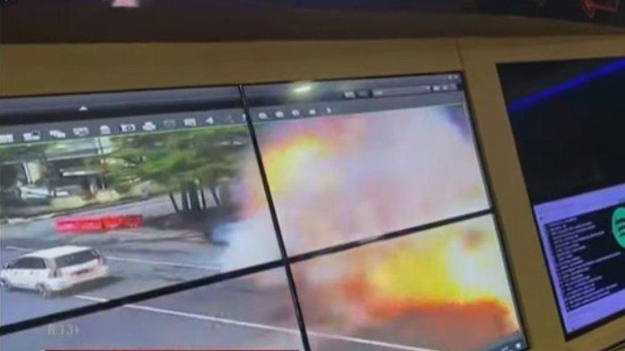 Detik-detik ledakan bom di Gereja Katedral Makassar, Jalan Kartini terekam dalam CCTV, Minggu (28/3/2021).