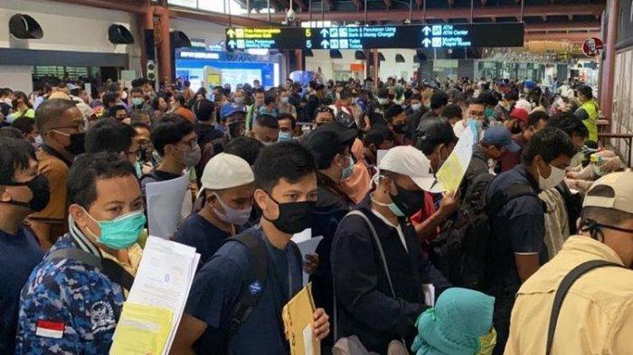 Foto Calon Penumpang yang Berjubel di Terminal 2 Bandara Soetta Viral di Medsos, AP II Angkat Bicara