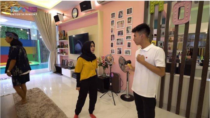 Buat Ria Ricis Melongo, Dimas Ramadhan Tak Segan Ajak sang Gadis ke Kamar: Kalau Udah Khilaf