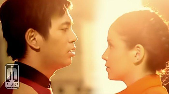 Kunci (Chord) dan Lirik Lagu 'Pergilah Kasih' versi D'Masiv, 'Selagi Masih Ada Waktu'