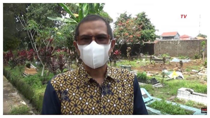 Kepala Desa Jalancagak, Subang, Jawa Barat, Indra Zaenal Alim mengaku mulanya tak mengetahui makam Tuti (55) dan Amalia Mustika Ratu (23) dibongkar polisi, Sabtu (2/10/2021).