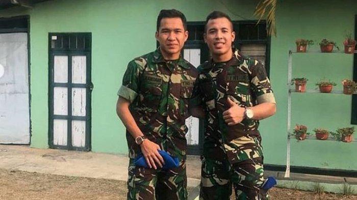 Erwin Ramdani (Kanan) dan pemain PS Tira Persikabo, Guntur Triaji (Kanan)