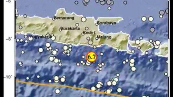 Badan Meteorologi Klimatologi, dan Geofisika (BMKG) menginfokan adanya gempa dengan magnitudo sebesar 6,7 sekitar 90 kilometer Barat Daya dari Kabupaten Malang, Jawa Timur, Sabtu (10/4/2021).