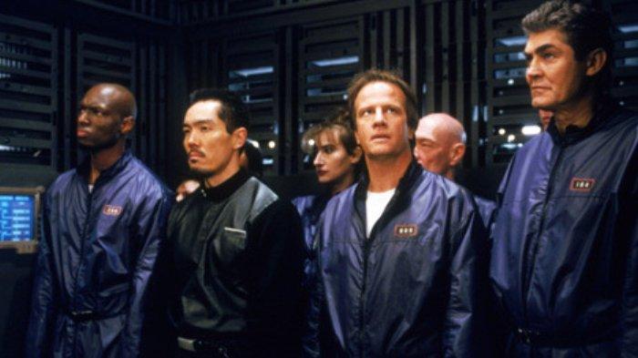 Sinopsis Film Fortress 2: Re-Entry Diperankan Christopher Lambert, Hari Ini di Bioskop TRANS TV