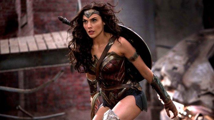 Gal Gadot berperan sebagai Wonder Woman