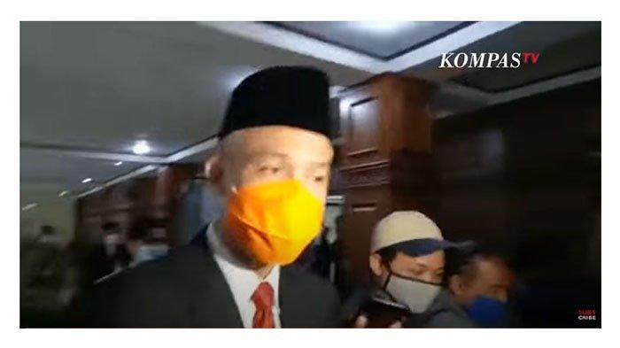 Ganjar Pranowo ditanyai oleh wartawan dalam kanal Youtube Kompas TV pada Senin (24/5/2021)