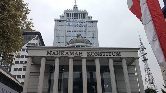 Hari Terakhir Pendaftaran, Prabowo-Sandi Berencana Ajukan Gugatan Sengketa Hasil Pilpres ke MK