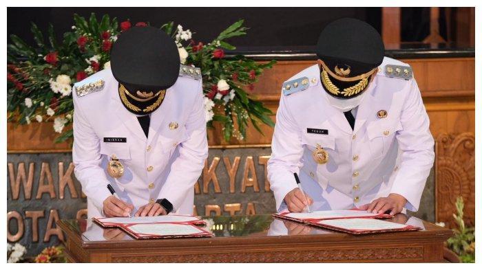 Pelantikan Wali Kota dan Wakil Kota Surakarta terpilih, Gibran Rakabuming Raka dan Teguh Prakosa, Jumat (26/2/2021).